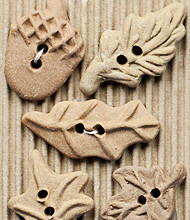 5 Raw clay leaf buttons