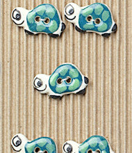 5 Green turtle buttons