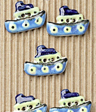 5 little boat buttons