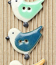 5 Colorful bird buttons