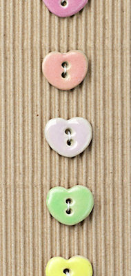 5 pastel heart buttons